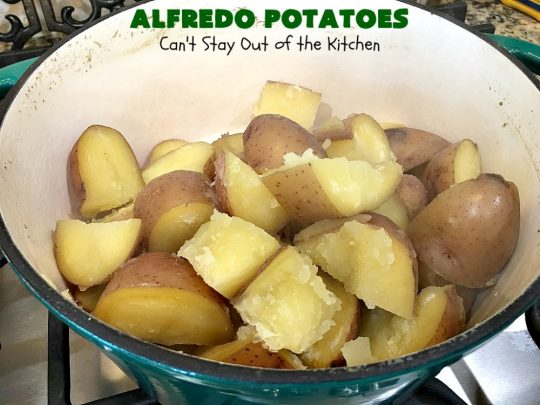 Alfredo Potatoes | Can't Stay Out of the Kitchen | one of the most enjoyable ways to enjoy #MashedPotatoes ever! Terrific for #holiday or company dinners. #potatoes #AlfredoSauce #AlfredoPotatoes