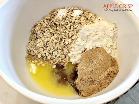 Apple Crisp | Can't Stay Out of the Kitchen | this dynamic #dessert is also fantastic served for #breakfast! Uses #LuckyLeaf #applepiefilling and has a streusel topping. #apples