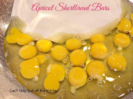 Apricot Shortbread Bars - IMG_2230