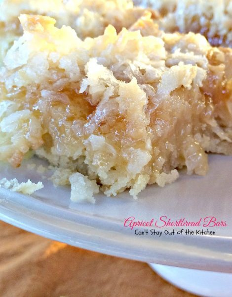 Apricot Shortbread Bars | Can't Stay Out of the Kitchen