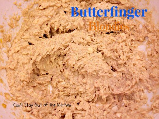 Butterfinger Blondies - IMG_0914