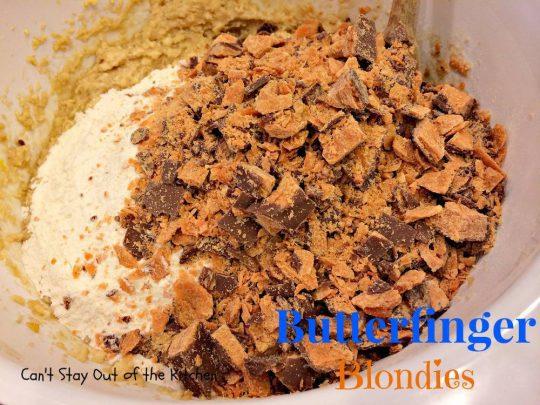 Butterfinger Blondies - IMG_0917