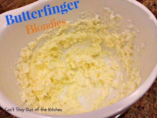 Butterfinger Blondies - IMG_0931