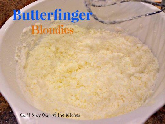 Butterfinger Blondies - IMG_0933