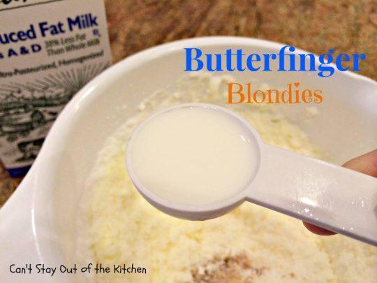 Butterfinger Blondies - IMG_0941