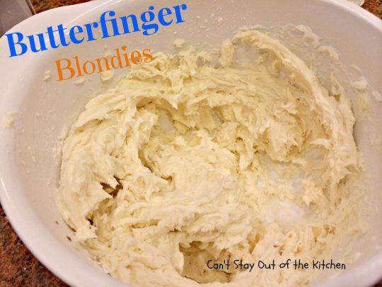 Butterfinger Blondies - IMG_0942