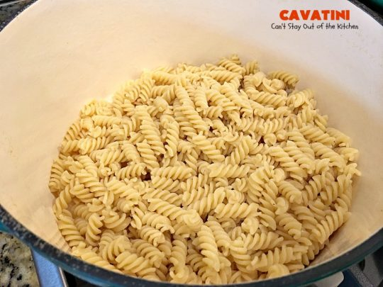 Cavatini | Can't Stay Out of the Kitchen | this kid-friendly #pasta #casserole includes spaghetti sauce #pepperoni, #mozzarella cheese & #glutenfree rotini noodles. So easy & delicious.