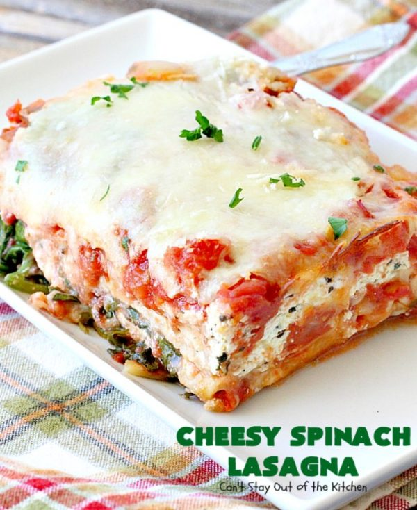 Cheesy Spinach Lasagna   Can't Stay Out of the Kitchen   this #lasagna entree is wonderful & great for #MeatlessMondays, potlucks or other family dinners. #spinach #cheese