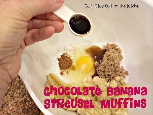Chocolate Banana Streusel Muffins - IMG_4731.jpg