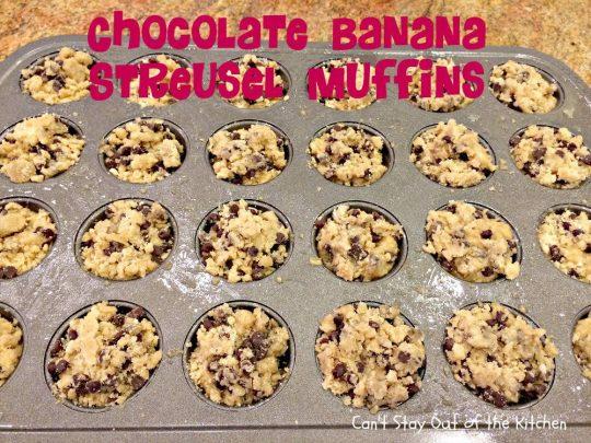 Chocolate Banana Streusel Muffins - IMG_4740.jpg