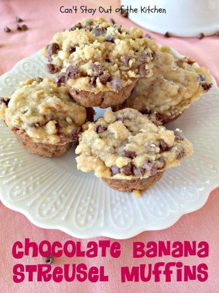 Chocolate Banana Streusel Muffins | Can't Stay Out of the Kitchen