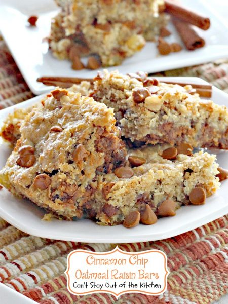 Cinnamon Chip Oatmeal Raisin Bars - IMG_7486