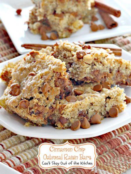 Cinnamon Chip Oatmeal Raisin Bars - IMG_7486