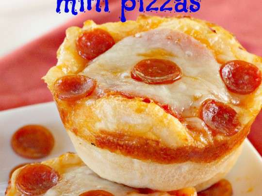 Double Pepperoni Mini Pizzas - IMG_5265.jpg