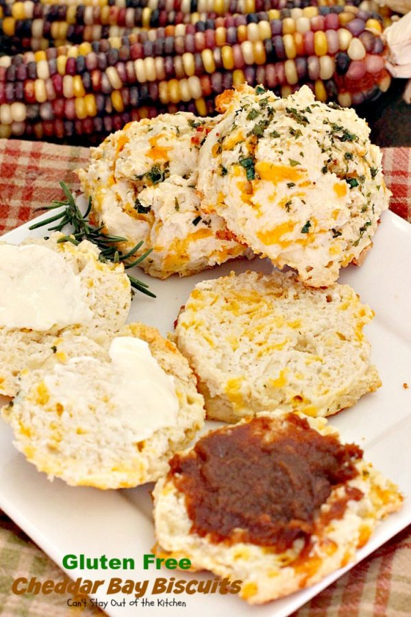 Gluten Free Cheddar Bay Biscuits   Can't Stay Out of the Kitchen   these #copycat #RedLobster #CheddarBayBiscuits are awesome! Loved this #glutenfree version. Great for a #holiday #breakfast too. #biscuits