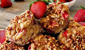 Healthy Gluten Free Strawberry Banana Muffins