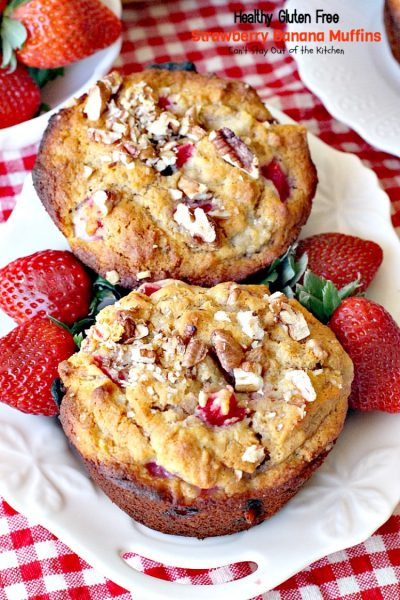 Healthy Gluten Free Strawberry Banana Muffins | Can't Stay Out of the Kitchen | you'll never believe these delicious #muffins are sugarless and flourless! These healthy & #clean-eating muffins use honey and #glutenfree flour. Great for a #holiday #breakfast. #strawberries #bananas