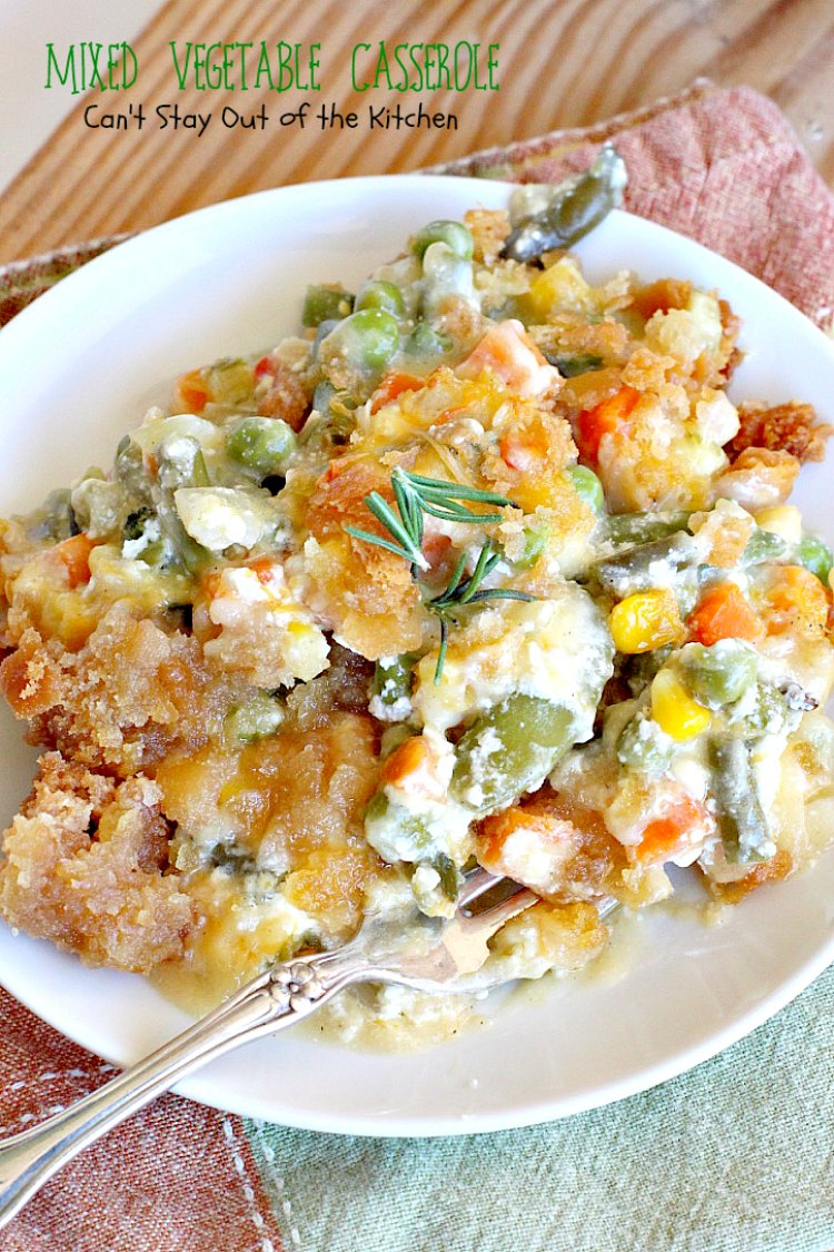 Mixed Vegetable Casserole | Can't Stay Out of the Kitchen | this is a scrumptious & versatile #casserole that's a great side dish for #holiday menus. This one uses a #RitzCrackers crumb topping. #vegetables