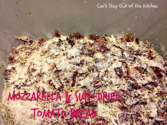 Mozzarella and Sun-Dried Tomato Bread - IMG_8175.jpg