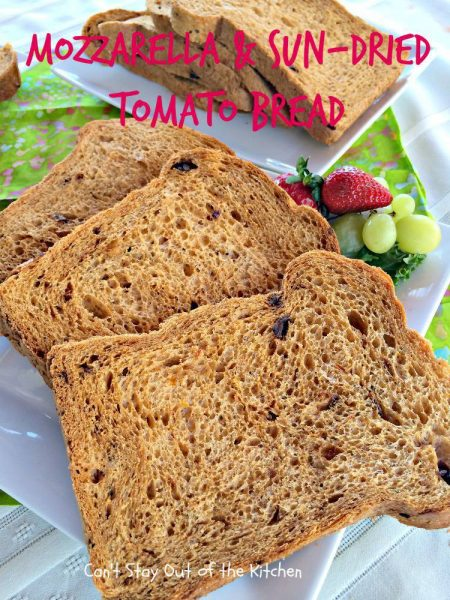 Mozzarella and Sun-Dried Tomato Bread - IMG_8277.jpg