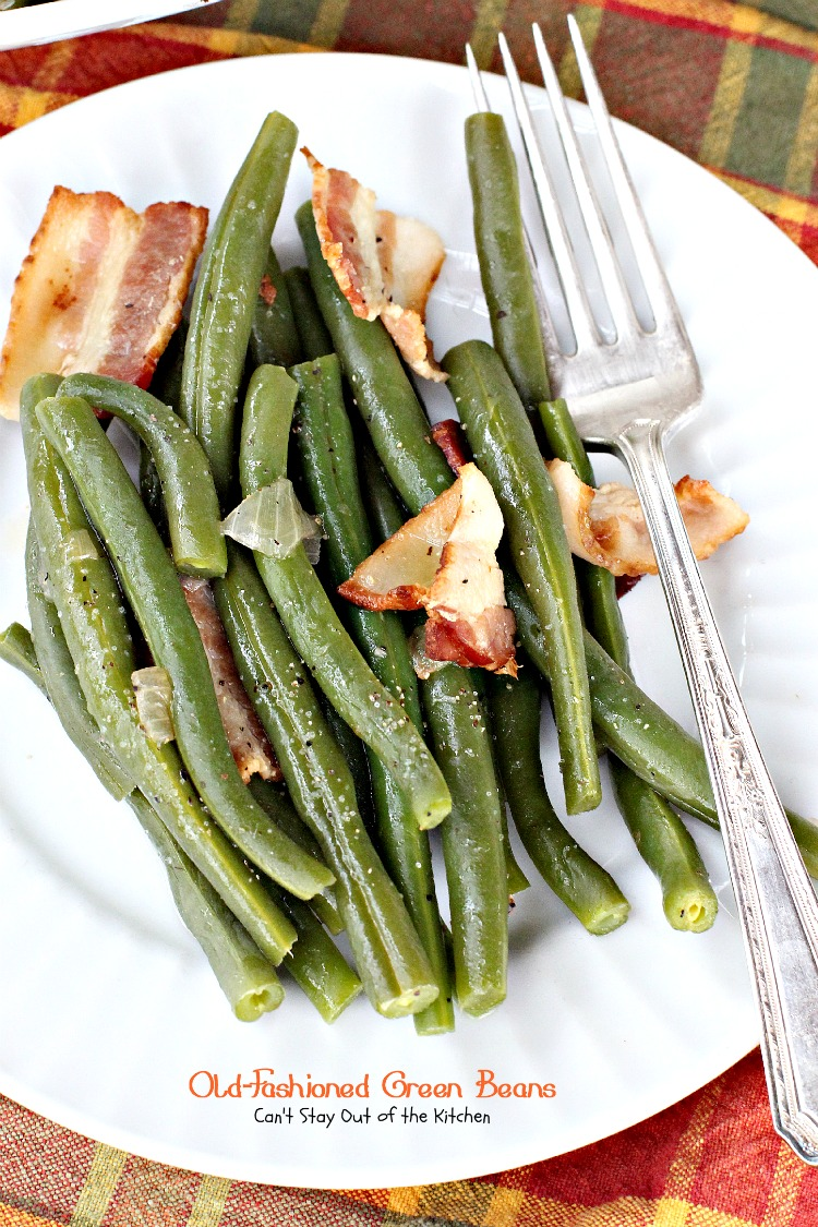 Old-Fashioned Green Beans - my Mom's wonderful recipe. We love #greenbeans made this way. #glutenfree #bacon