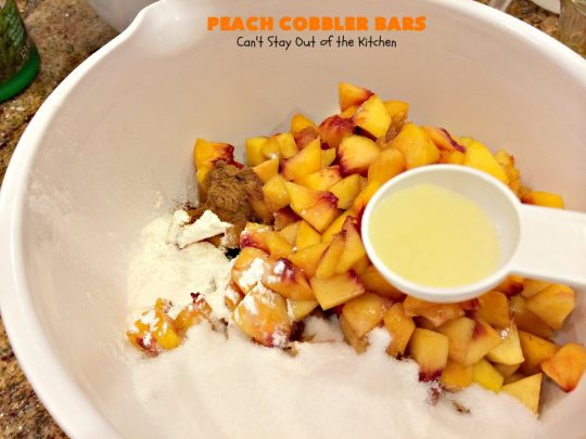 Peach Cobbler Bars | Can't Stay Out of the Kitchen | these fabulous blondies taste just like eating #peachcobbler! Amazing #dessert #peaches #cookie