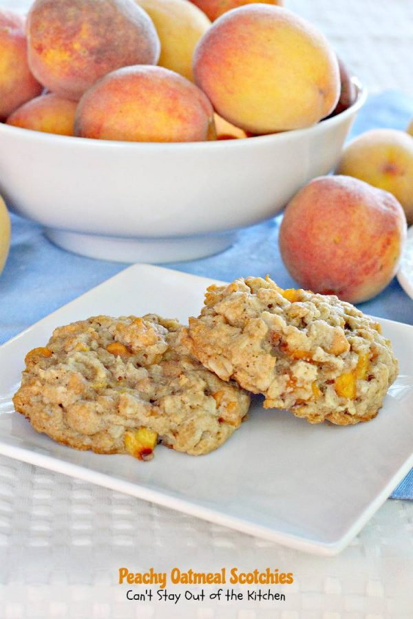 Peachy Oatmeal Scotchies | Can't Stay Out of the Kitchen | what's not to love about an #oatmealcookie with #peaches and #butterscotchchips? These are fantastic. #dessert #cookie