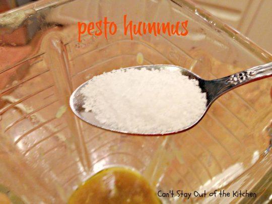 Pesto Hummus - IMG_2565