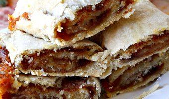 Pumpkin Pie Crust Cinnamon Rolls