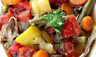 Slow Cooker Beef and Vegetable Soup