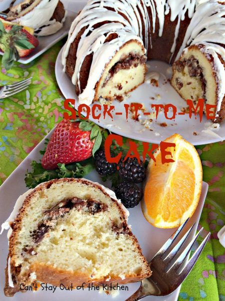 Sock-it-to-Me Cake - IMG_7946.jpg
