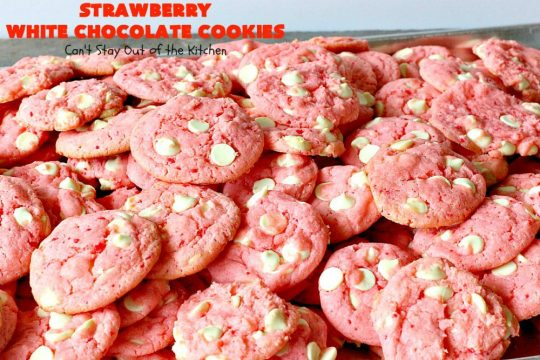 Strawberry White Chocolate Cookies | Can't Stay Out of the Kitchen | super easy 4-ingredient #cookie recipe! It's ideal for #Christmas cookie exchanges and #holiday parties. #strawberry #chocolate #dessert