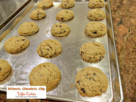 Ultimate Chocolate Chip Toffee Cookie | Can't Stay Out of the Kitchen | this fabulous #PaulaDeen #cookie is filled with #chocolatechips and #HeathEnglishToffeeBits for spectacular taste. #dessert #chocolate