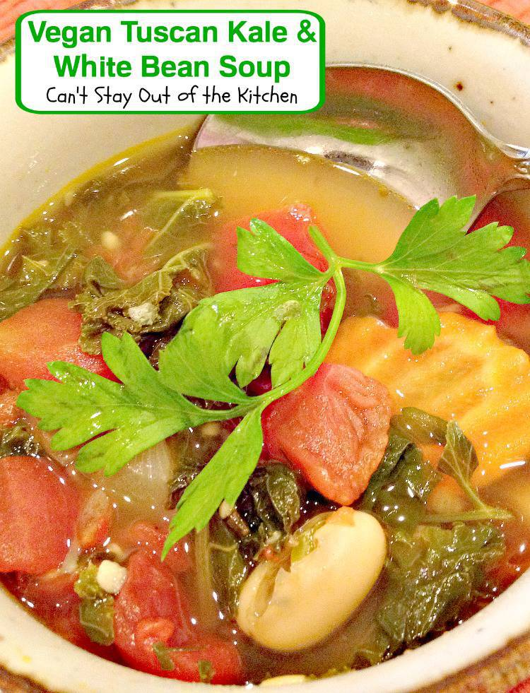 http://cantstayoutofthekitchen.com/wp-content/uploads/Vegan-Tuscan-Kale-and-White-Bean-Soup-Recipe-Pix-13-032.jpg