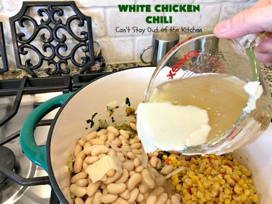 White Chicken Chili | Can't Stay Out of the Kitchen | We love this amazing #TexMex #soup. It's the perfect  #chili for cold, winter nights. Healthy &  #glutenfree. #chicken